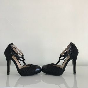 Sondra Roberts New York Black Tweed Heels